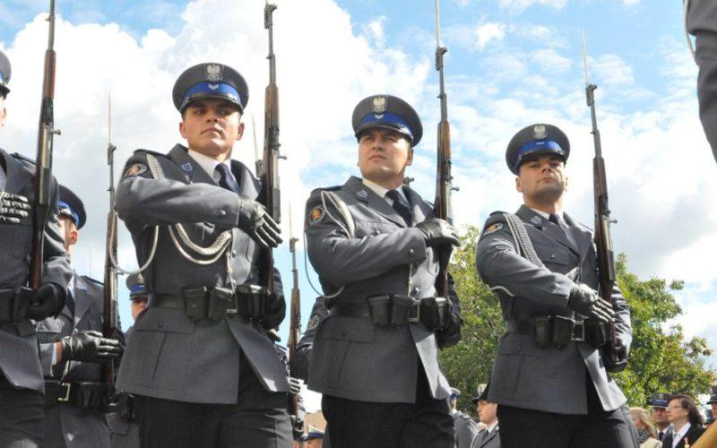 mundury policyjne